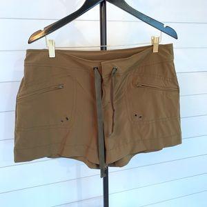 Athleta Breeze Olive Green Hiking Shorts, 14